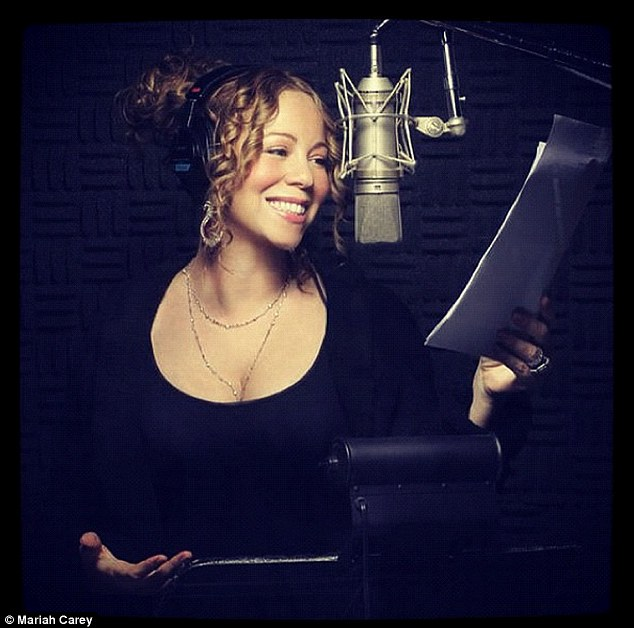Mariah Carey pon the studio, working on her long-awaited new album