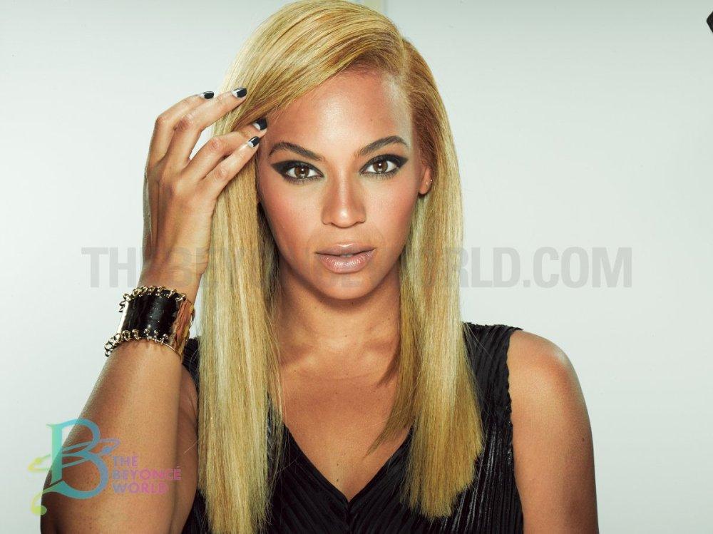 Blonde bey